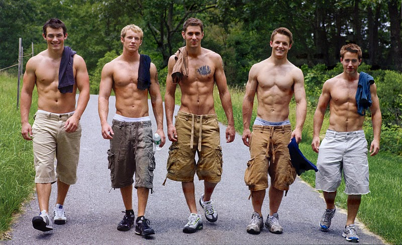 Cm S Top 10 Colleges With The Hottest Guys College Magazine